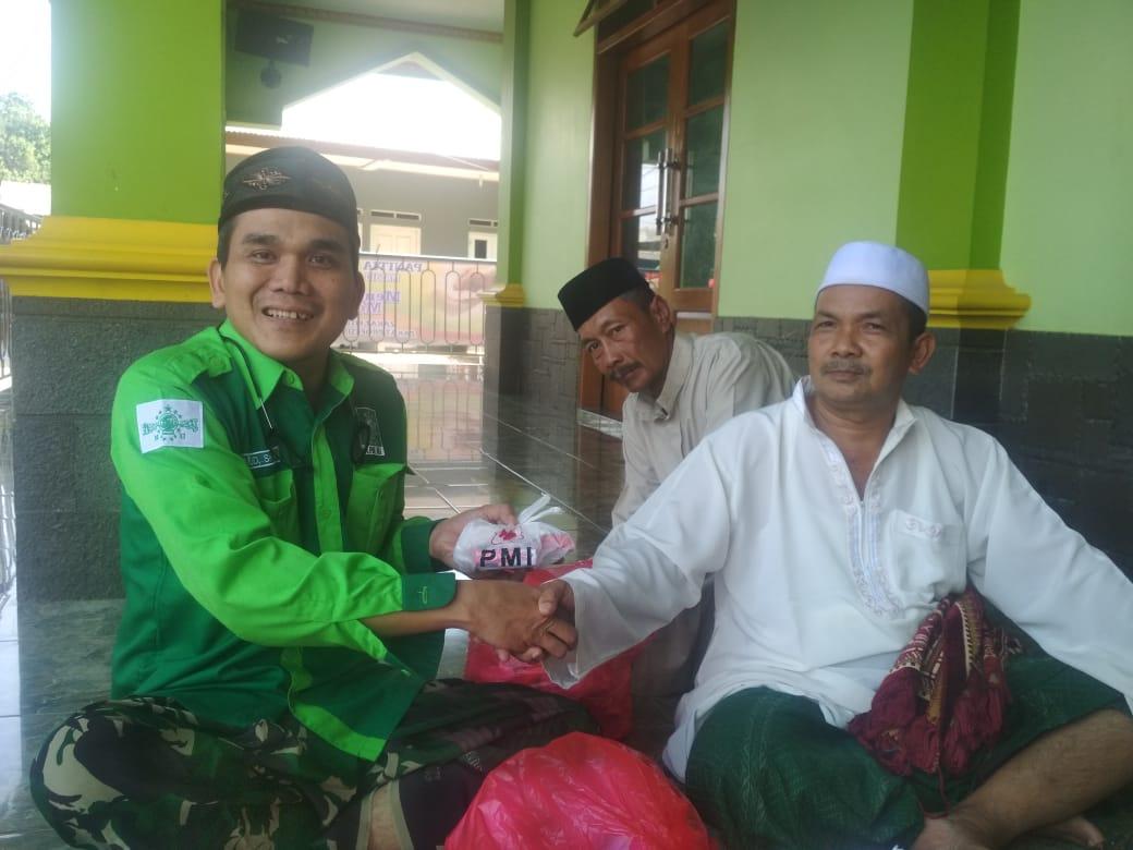 NU Peduli Bersama PMI Bogor Salurkan Bantuan Masker dan Hand Sanitizer