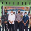 Danramil Jajaran Kodim 1628/SB Membantu Mengkoordinir Pemasangan Banner Daftar Masyarakat Penerima Bantuan Dana Stimulan Di tiap Desa di Kabupaten Sumbawa Barat