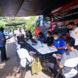 Warga Berbondong-bondong Mendatangi Lokasi Gerai Vaksin Presisi mobile Polres Metro Jakarta Barat